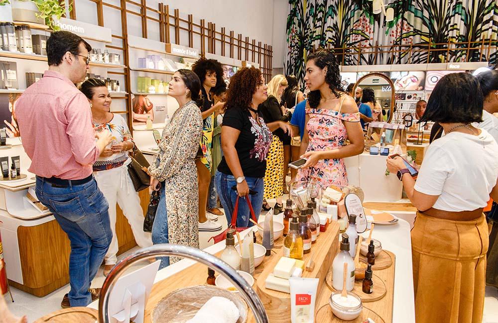 0a4cb93f3 Natura inaugura em Salvador novo conceito de loja - O melhor da Bahia em  destaque